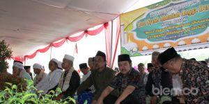 Walikota Resmikan Monumen Kapal Bosok di Curug Kota Serang