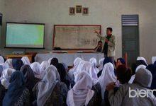 """Photo of Berbagi Informasi dan Motivasi Kuliah, """"Jawaragama Menginspirasi"""" Hadir di SMAN 1 Gunungsari"""