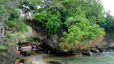 Photo of Ternyata Pantai Karang Bolong Itu Dulunya Begini…
