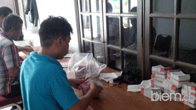 Photo of Sortir dan Lipat Ribuan Kertas Suara, KPU Kabupaten Serang: 10 Hari Siap Distribusi