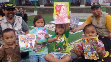 Photo of Komunitas Jawara Membaca Cilegon dan Komunitas Serambi Baca Gelar Pustaka Berjalan