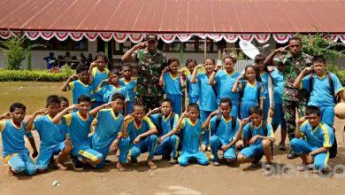 Photo of Pendi Yuwantoro, TNI Asal Serang, Banten Terpanggil untuk Pendidikan di Perbatasan Indonesia
