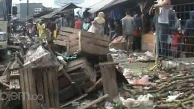 Photo of Di Pasar Baros, Tumpukan Sampah Jadi Pemandangan Tiap Hari