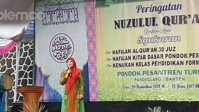 Photo of Irna Dimyati: Santri adalah Aset Mulia Generasi Bangsa