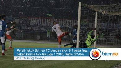 Photo of Tiga Gol Lewat Sundulan Buat Persib Bandung Tekuk Borneo FC