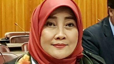 Photo of Siti Masrifah; Aksi Teror Bom Surabaya itu Tindakan Biadab