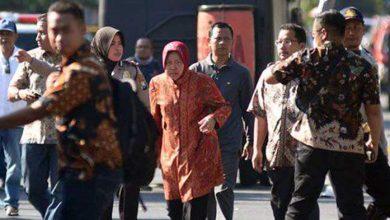 Photo of Risma Mengunjungi Keluarga Korban Bom Surabaya