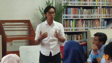 Photo of Ade Wahyudi: Mahasiswa Harus Menjadi Pelaku Industri Kreatif