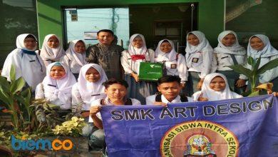 Photo of OSIS SMK Art Design Salurkan Bantuan untuk Pengungsi Sulteng