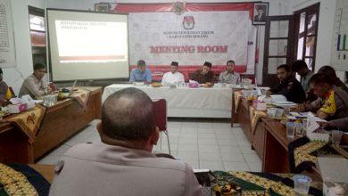Photo of Lima Kecamatan Jadi Perhatian Lebih Terkait Pendistribusian Logistik Pemilu