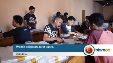 Photo of KPU Kabupaten Serang Temukan Banyak Surat Suara yang Rusak Saat Pelipatan