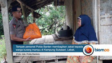 Photo of Bakti Sosial, Satbrimob Polda Banten Salurkan Zakat