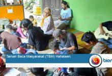 Photo of Kritik Pendidikan Formal, Furqon Hadiwijaya Sulap Rumahnya Jadi TBM