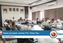 Photo of Perdana di Kepemimpinan 'Aje Kendor', Ratusan PKL Pasar Rau Akan Direlokasi