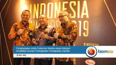 Wahidin Halim Raih Penghargaan Indonesia Award Inovasi Kreatifitas Peningkatan Pendapatan Daerah