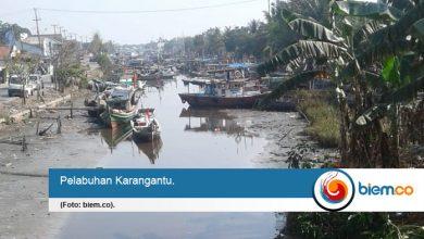 Photo of Pelabuhan Karangantu Surut, Nelayan Tak Bisa Melaut
