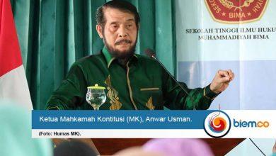 Photo of Anwar Usman Sebut Hukum Tidak Selalu Berarti Adil