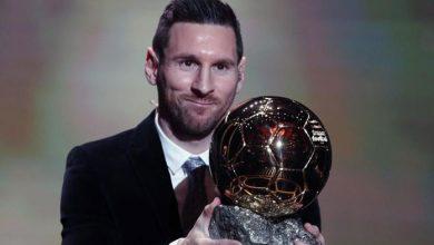 Photo of Lionel Messi Sabet Penghargaan Ballon d'Or untuk Keenam Kalinya