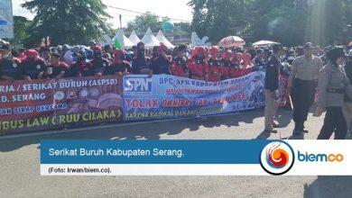 Photo of Buruh Serang Tolak Omnibus Law Cipta Kerja