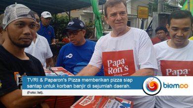 Photo of TVRI, Paparon's Pizza, dan OORJA Group Peduli Korban Banjir