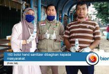 Photo of Tekan Penyebaran Covid-19, Komunitas Dosen Uniba Bagi-bagi Hand Sanitizer
