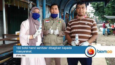 Ikut Menekan Penyebaran Covid-19, Komunitas Dosen Uniba Bagi-bagi Hand Sanitizer