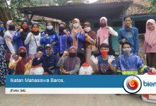 Cegah Covid-19 Menyebar, Ikamaba Semprot Disinfektan di Kecamatan Baros