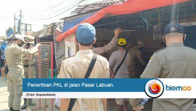 Photo of Buntut Relokasi PKL di Pasar Labuan, Akademisi UNMA Angkat Bicara